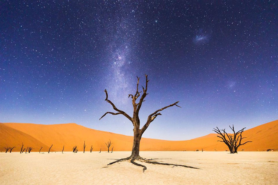 6-A-Night-at-Deadvlei