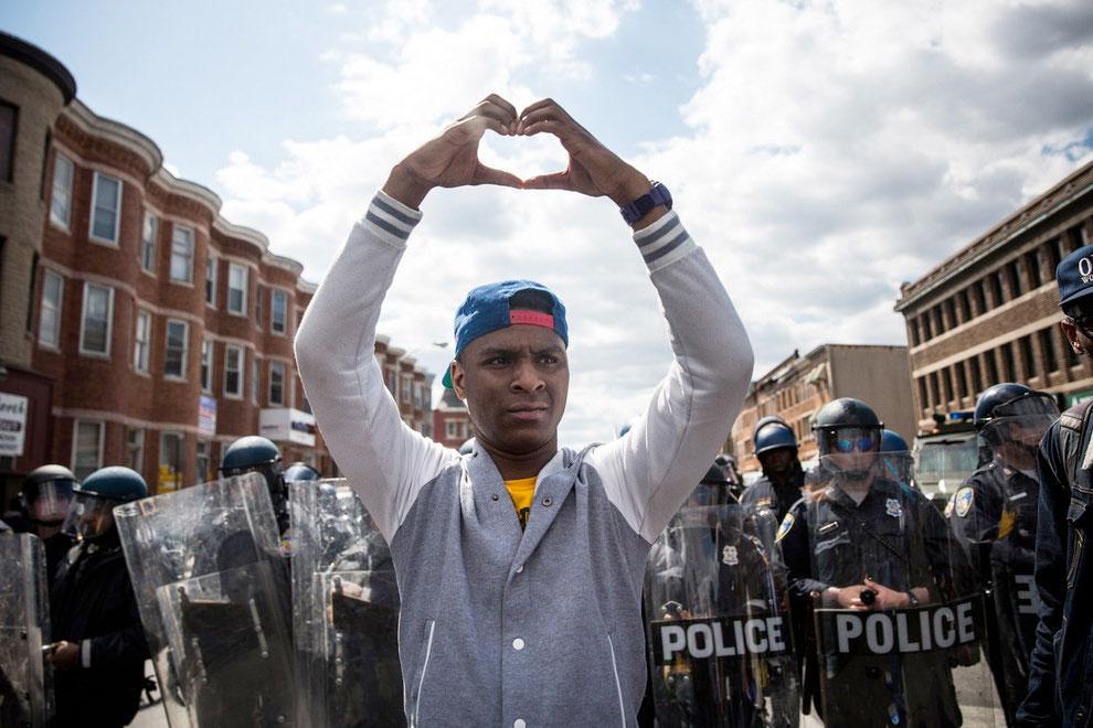 aprilie-2015-protestul-din-Baltimore