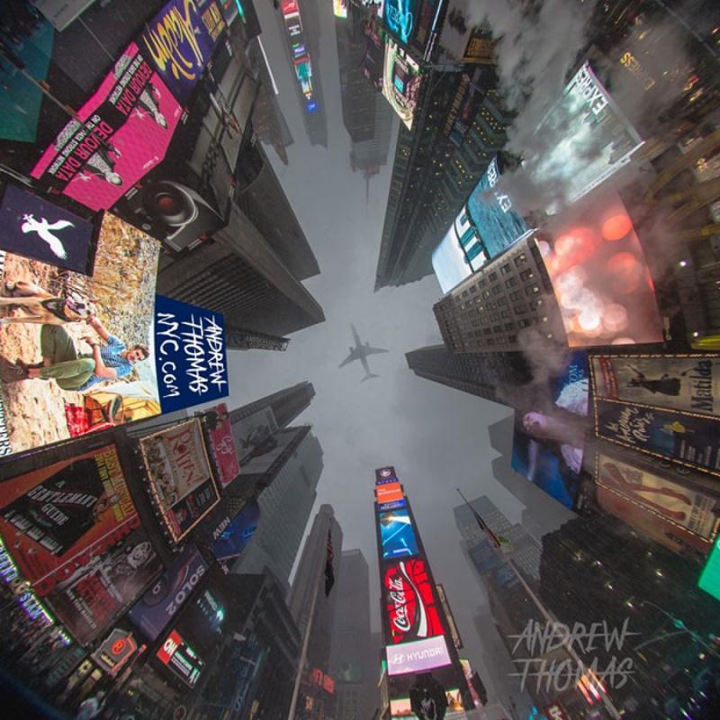 avion-Times-Square