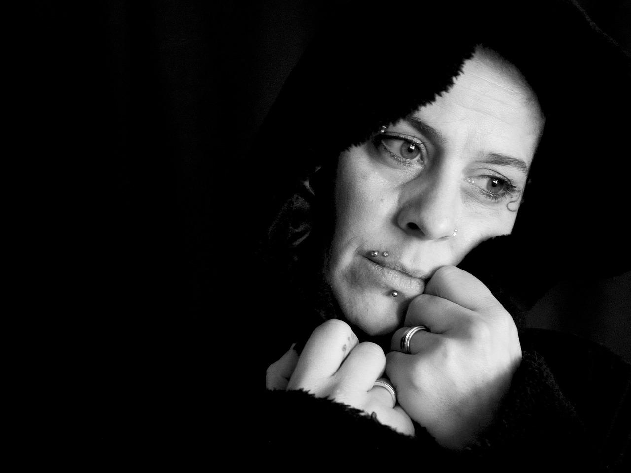 alone woman photo