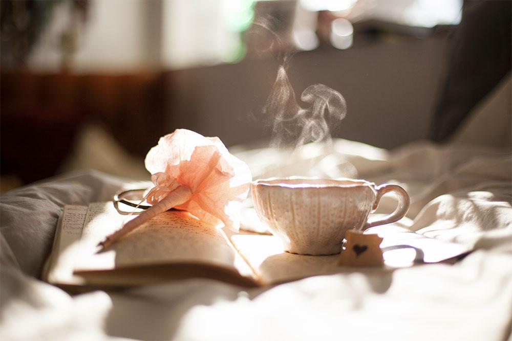ceai-carte-dimineata