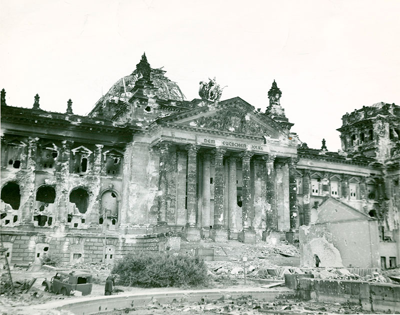 cladire-reichstag-dupa-lupte-1945