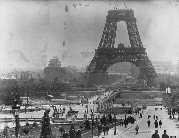 constructia-turnului-eiffel-1888