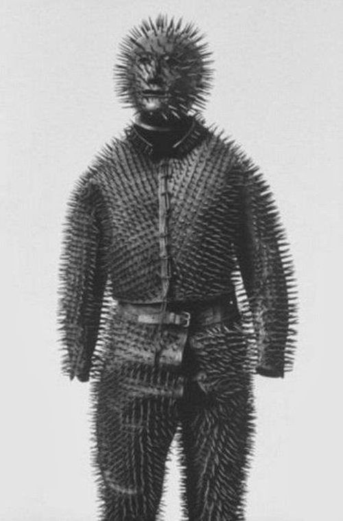 costum-pentru-vanarea-de-ursi-1800