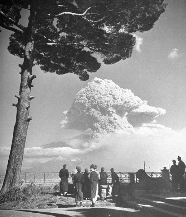 eruptia-muntelui-vezuviu-1944