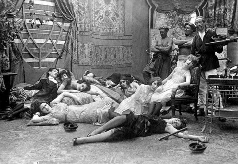 fals-petrecerea-de-opiu-1918