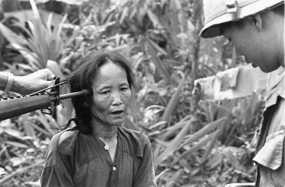 femeie-vietnam-1967