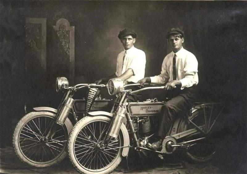 fratii-davidson-1914