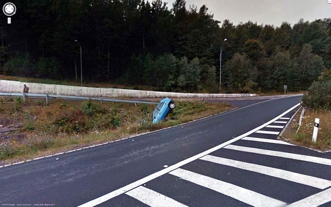 google-earth-accident-automobil
