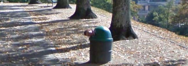 google-earth-tipul-din-urna-de-gunoi