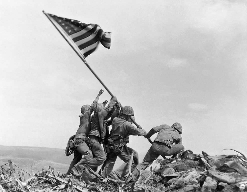 inaltarea-drapelului-american-pe-Iwo-Jima