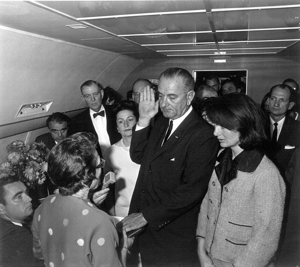 juramant-Lyndon-Johnson-devine-presedinte-SUA
