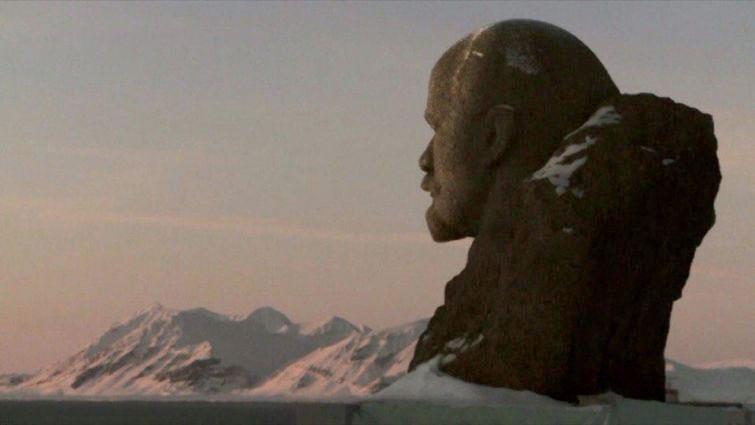 monumentul-lenin-pe-insula-svalbard