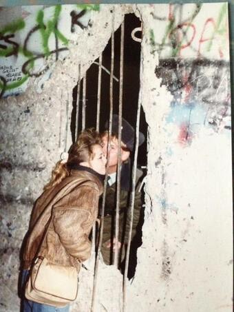 sarut-zidul-berlinez-1989