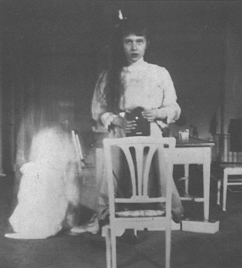 Selfie făcut de ducesa Anastasia Romanova în 1914