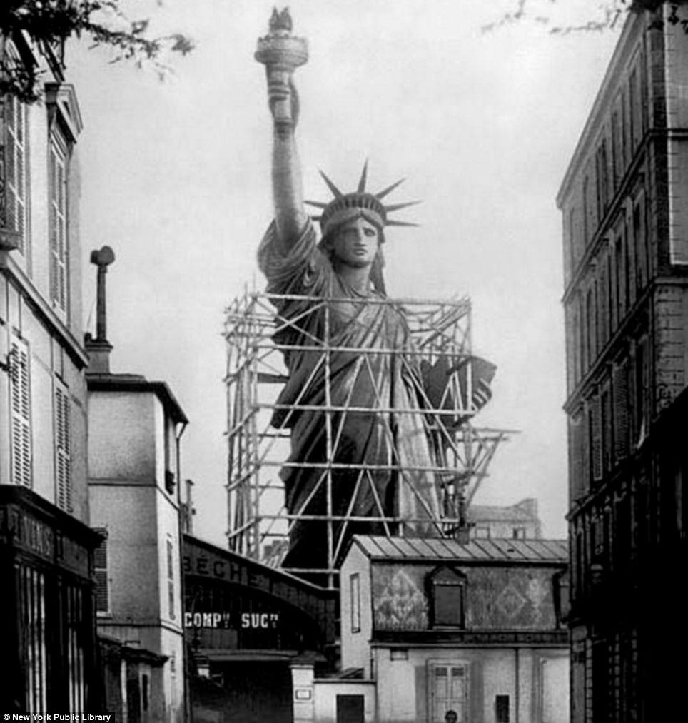 statuia-libertatii-finisare-paris