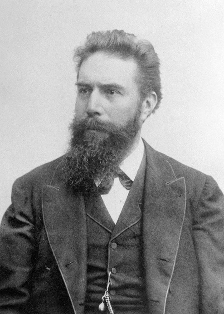 wilhelm-roentgen-1900